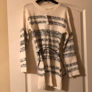 Girls XL sweater with belt
